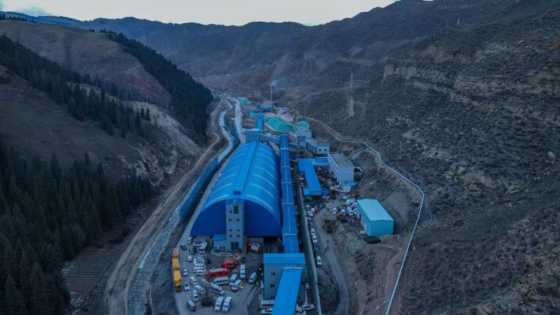 Xinjiang realiza resgate em mina de carvão que inundou