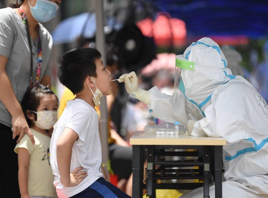 Parte continental da China registra dois casos de COVID-19 transmitidos localmente