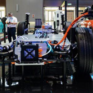 Montadoras e especialistas globais pedem cooperação em veículos de nova energia